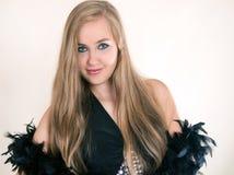 Menina do retrato em um vestido preto Foto de Stock Royalty Free