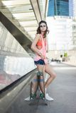 Menina do skate de Ksenia Imagens de Stock Royalty Free