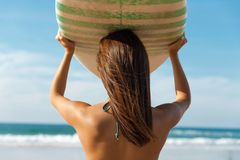 Menina do surfista Foto de Stock Royalty Free