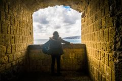 Menina do turista em Nápoles Fotografia de Stock Royalty Free