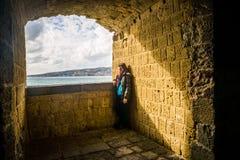 Menina do turista em Nápoles Imagens de Stock