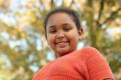 Menina do Tween que levanta ao ar livre Imagens de Stock