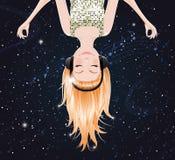 Menina do vetor que escuta a música do espaço. eps10 Foto de Stock Royalty Free