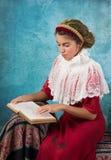 Menina do vintage com baixada do cabelo Foto de Stock