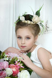 Menina do vintage com flores Imagem de Stock