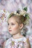 Menina do vintage com flores Imagem de Stock Royalty Free