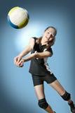 Menina do voleibol Fotografia de Stock Royalty Free