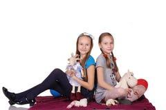 A menina dois é amigos imagem de stock