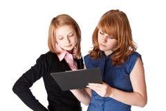 Menina dois de sorriso com dobrador Imagem de Stock