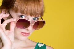 Menina dos óculos de sol imagens de stock