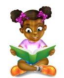 Menina dos desenhos animados que lê livro surpreendente Foto de Stock Royalty Free