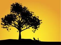 Menina e árvore Imagens de Stock