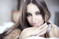 Menina e acessórios fotografia de stock royalty free