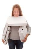 A menina e as caixas para uma pizza foto de stock