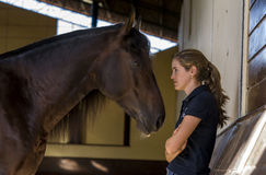 Menina e cavalo imagem de stock royalty free