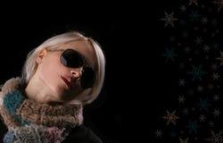 Menina e flocos de neve fotografia de stock royalty free