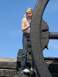 Menina e grande roda Imagem de Stock Royalty Free