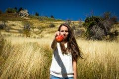 Menina e maçã Imagem de Stock