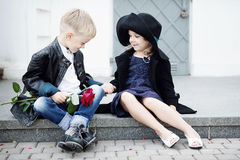 Menina e menino Imagem de Stock Royalty Free