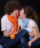 Menina e mens bonitos novos do retrato Imagens de Stock