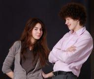 Menina e mens bonitos novos do retrato Imagens de Stock Royalty Free