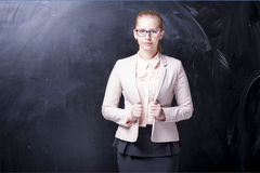 Menina e quadro-negro imagens de stock royalty free