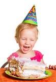 Menina e seu bolo de aniversário Fotos de Stock