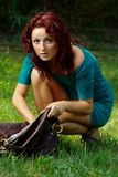 Menina e seu saco Imagens de Stock
