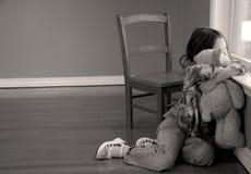 Menina e seu urso Imagens de Stock