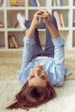 Menina em casa Foto de Stock Royalty Free