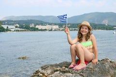 Menina em férias de verão em Grécia imagens de stock
