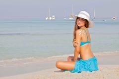 Menina em férias ou em feriado na Espanha de Mallorca Imagem de Stock