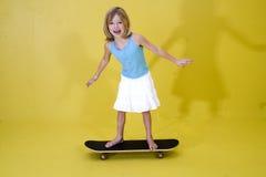 Menina em Skateboard2 Fotografia de Stock