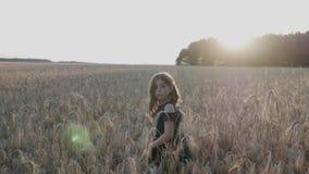 Menina em um campo de trigo! filme