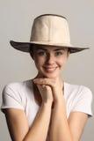 Menina em um chapéu de cowboy fotos de stock
