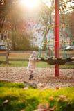 Menina em um parque Imagens de Stock Royalty Free