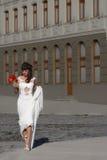 Menina em um vestido de casamento Foto de Stock