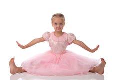 Menina em um vestido elegante cor-de-rosa Foto de Stock