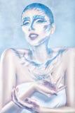 Menina em uma composição azul da névoa. Imagens de Stock Royalty Free
