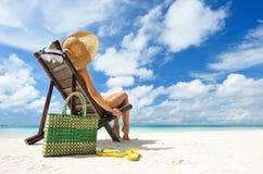 Menina em uma praia Fotografia de Stock Royalty Free