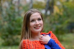 Menina envolvida em um xaile foto de stock royalty free