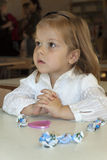 A menina escuta Foto de Stock Royalty Free