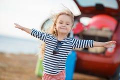 A menina está indo em uma viagem Imagem de Stock