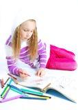 A menina está pintando Foto de Stock Royalty Free