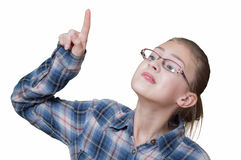 A menina está tentando escolher algo, imagens de stock royalty free