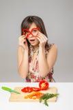 Menina feliz com olhar da pimenta Fotos de Stock