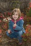 Menina feliz da queda Fotos de Stock Royalty Free