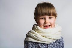 Menina feliz de sorriso Feche acima do retrato fêmea da cara Fotos de Stock Royalty Free