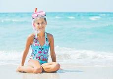 Menina feliz do mergulho imagem de stock