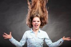 Menina feliz e ectática da mulher que tem o divertimento movimento Foto de Stock Royalty Free